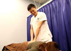京都府宮津市よこまち鍼灸整骨院の骨盤矯正の写真